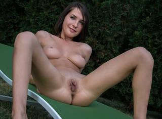 Anständiges Mädchen in der nackt.